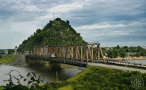 Cầu Hàm Rồng Thanh Hóa